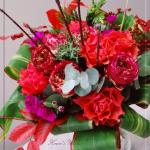 赤いシリーズの花束